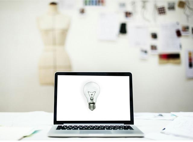 laptop lightbulb